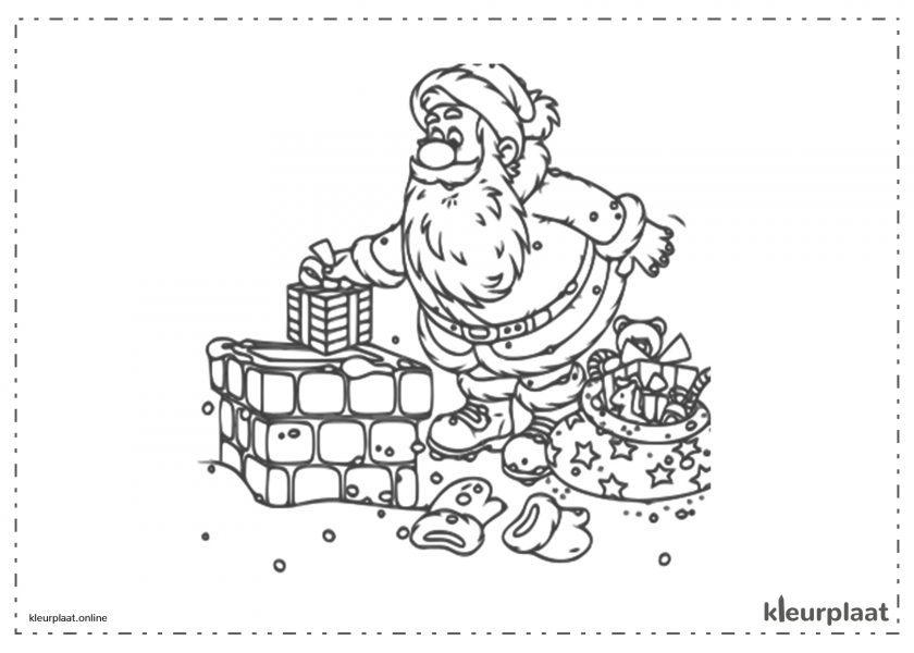 De kerstman komt door de schoorsteen en laat de cadeautjes achter