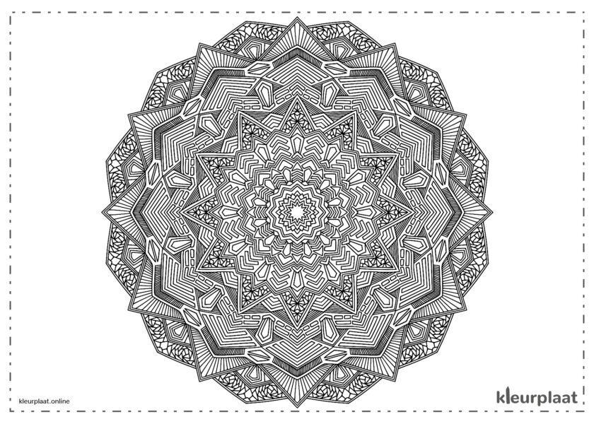 Mandala in vele opzichten erg moeilijk kleurplaat mandala tekenen