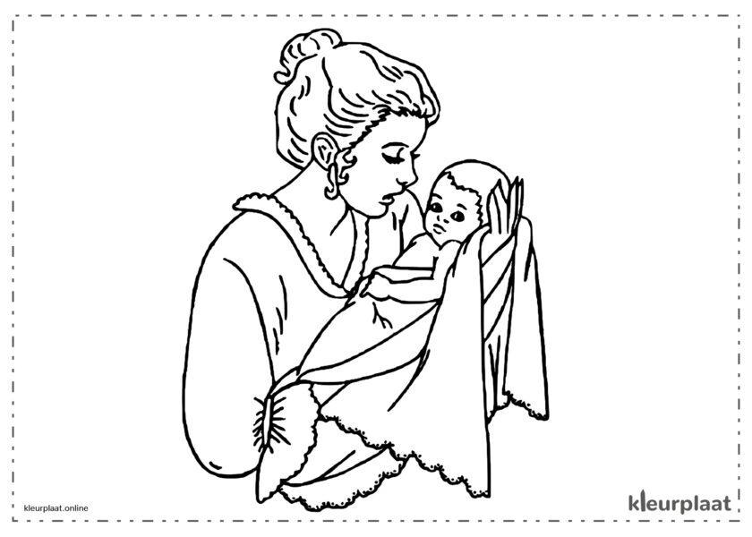 Moeder die pasgeboren baby vasthoudt